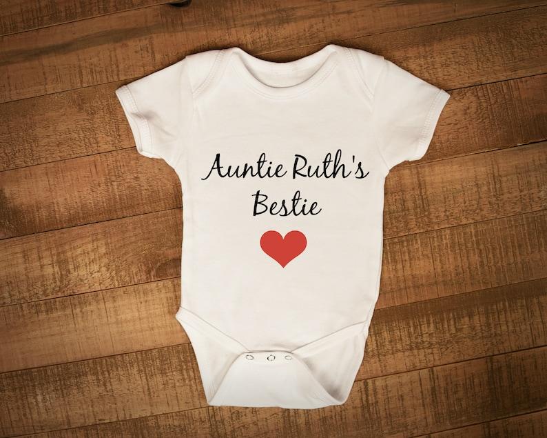 Personalised Auntie/'s Bestie Baby grow Vest For Aunts Best Friend bodysuit