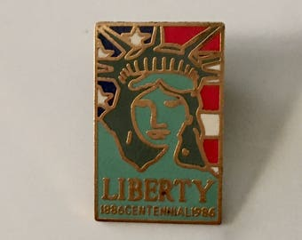Vintage Statue of Liberty Pin, 1980s Statue of Liberty Pin, Statue of Liberty Centennial Pin, Vintage Lady Liberty Pin