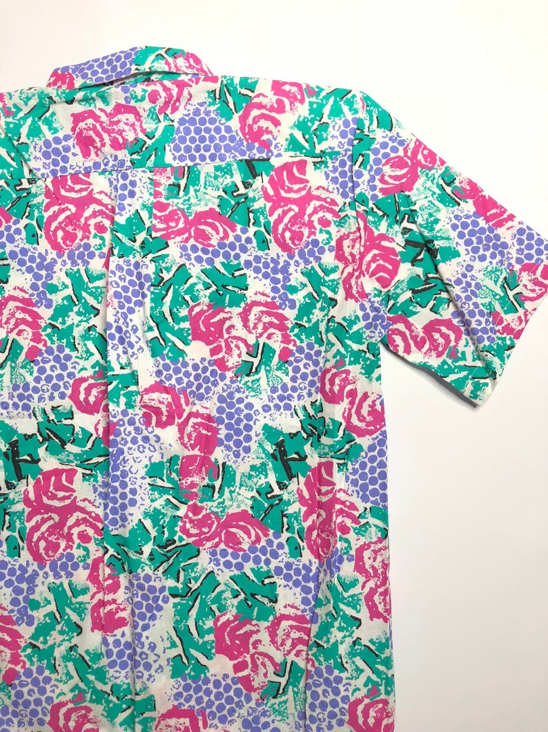 shoulder pads VTG DWT 80s90s Cherokee Women\u2019s white casual shirt magenta, purple, teal abstract grapes multicolored shirt