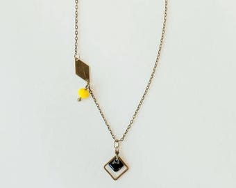 Asymmetrical necklace lemon