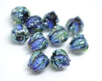 Blue green flower glass beads, Artisan lampwork floral beads, 10mm flower beads, garden beads, floral theme bead Handmade Lampwork bead set