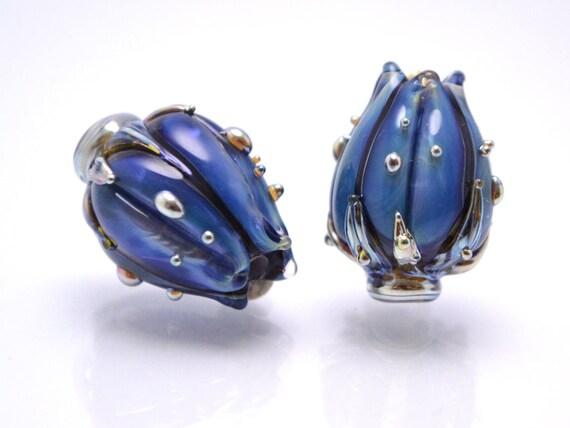 Floral fleur Focal pendentif perles lampwork perles de verre fait à la main fleur fleur perles de verre artisanales espace Murano bleu perles Perles de bourgeon