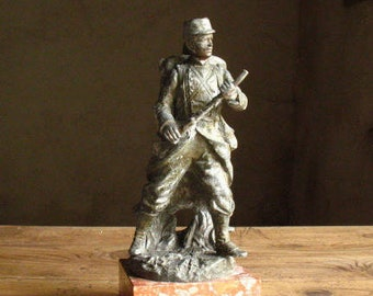 Statue in bronze of a French soldier, signature Vincent. 1914/18