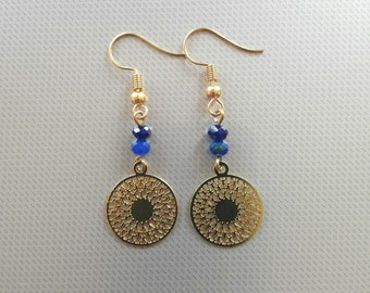 Gold Earrings with filigree disc