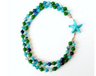 Collana stella marina, collana girocollo, collana multifilo, collana multicolor, collana vetro, gioielli moda mare, collana perle colorate