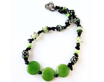 Collana in pietra verde, collana vetro, collana colorata, regalo festa della mamma, collana artigianale, collana etnica, collana boho chic