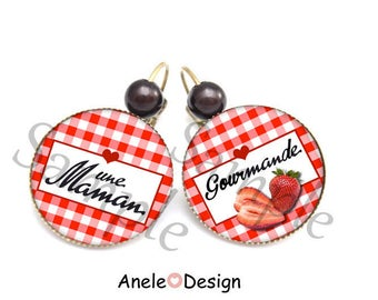 MOM, a MOM gourmet, gingham strawberry, black and red heart cabochon earrings
