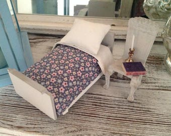 Antique bed 1:12 for Doll House with new bed linen