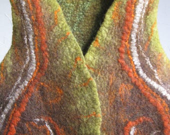 Hand-felt vest made of merino wool, brown with green