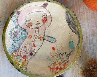 Ceramic saucer bottom