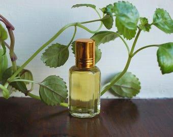 Pure Sandalwood Perfume Oil (10ml)