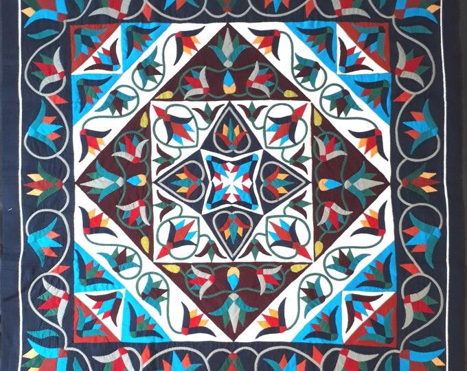 Tenture Khayameya cousu par les fabricants de tente du Caire, artisanat typiquement égyptien, pièce unique pour décorer chambre, salon