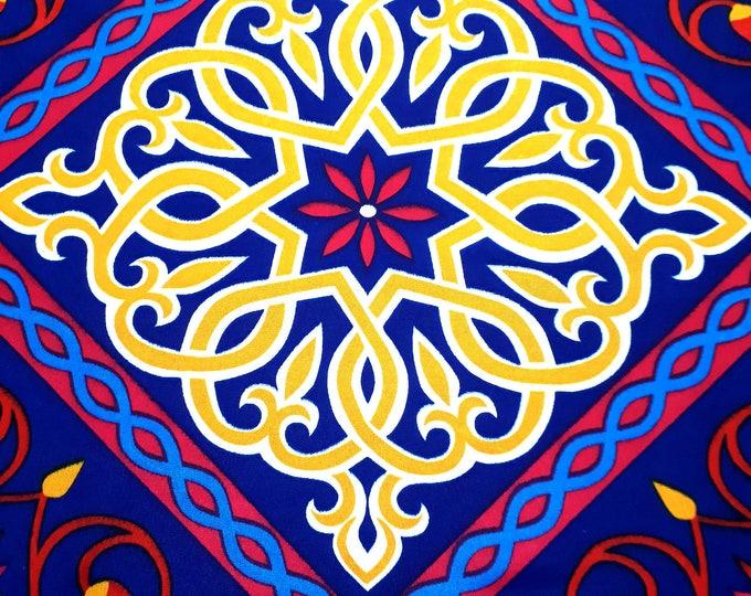Tissu africain au mètre. Motifs traditionnels égyptiens. Fleur de lotus. Indigo. Idéal pour la couture d'objets décoratifs, l'habillement