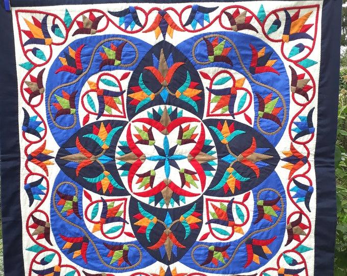 Tenture égyptienne en khayameya fabriquée entièrement à la main en Egypte, décoration murale parfaite pour une ambiance orientale