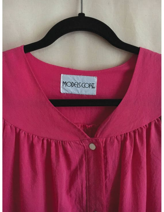 Pink  house dress with button snap front, vintage… - image 3