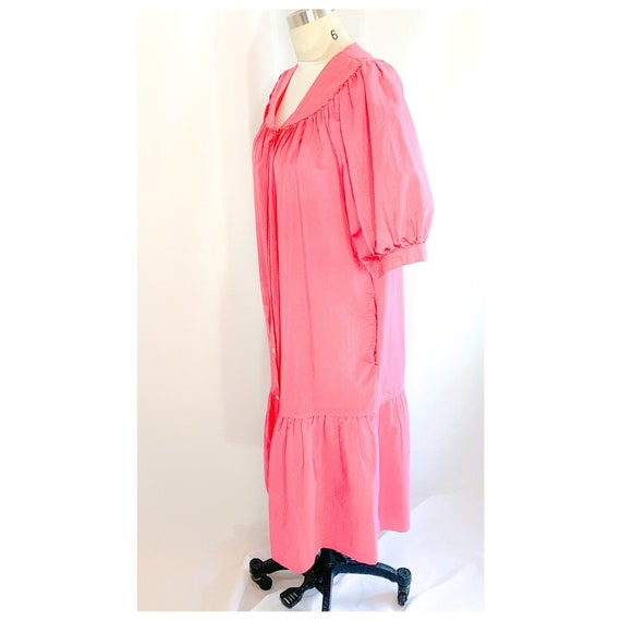 Pink  house dress with button snap front, vintage… - image 9