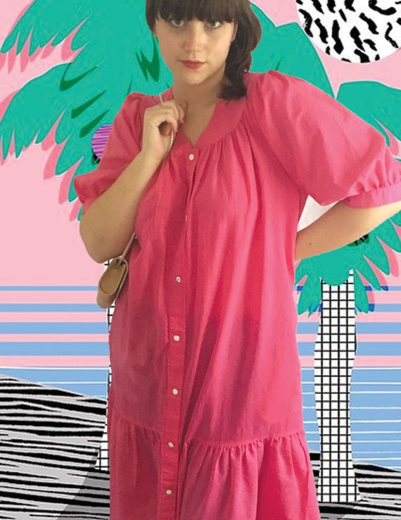 Pink  house dress with button snap front, vintage… - image 5