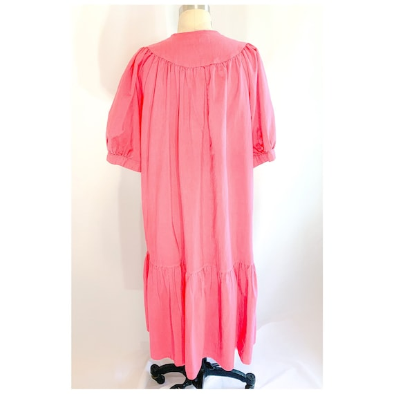 Pink  house dress with button snap front, vintage… - image 10