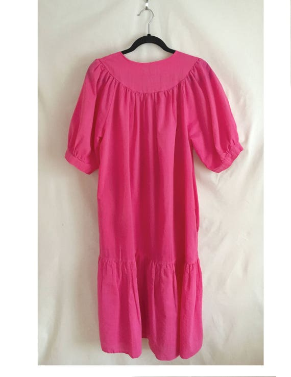 Pink  house dress with button snap front, vintage… - image 2