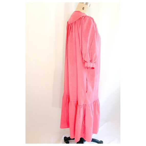 Pink  house dress with button snap front, vintage… - image 6