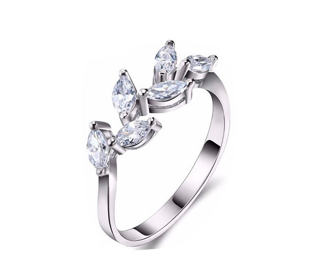Sterling Silver White Leafs Cubic Zircone Ring,Romantic Woman Ring,Engagement Ring. Silver Ring Zircon Leaf Shape,.New Style Ring.