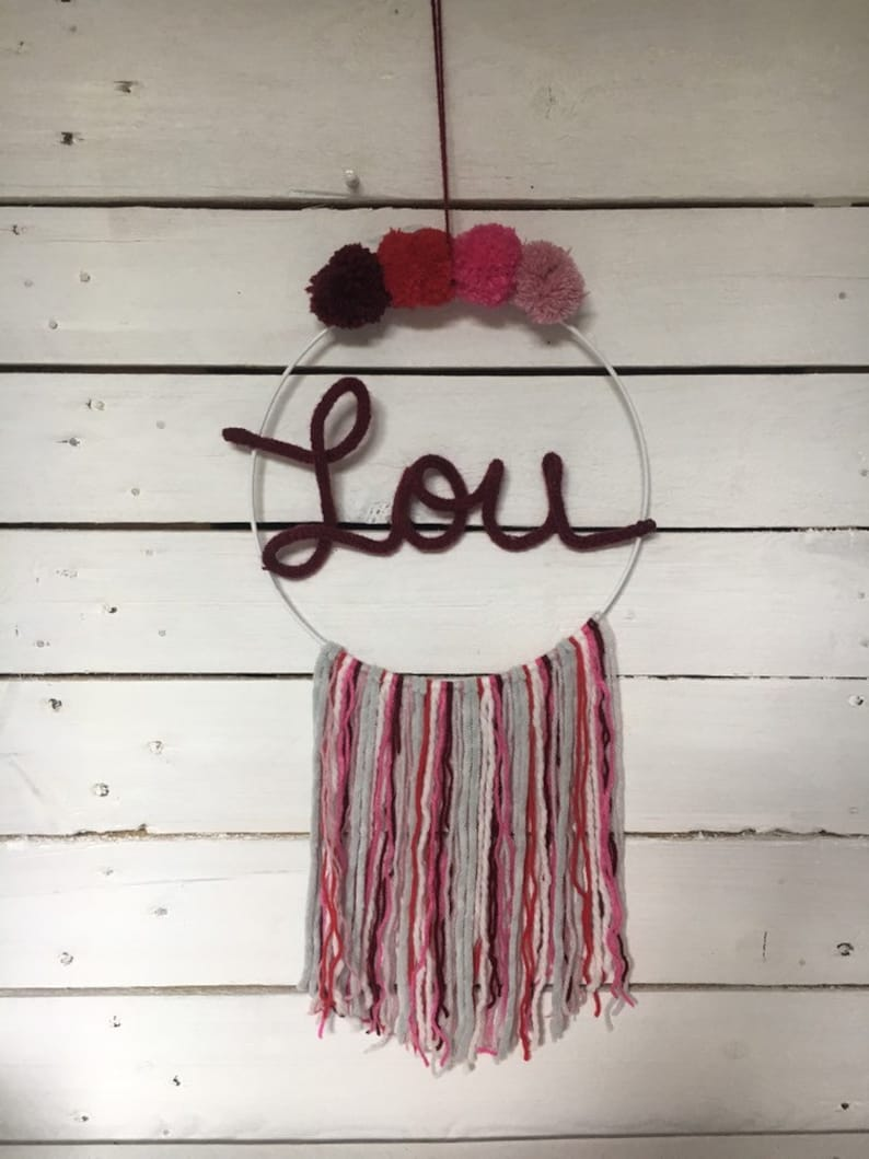 Knitting with 4 TASSELS to customize initials dream catcher