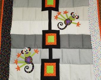 Bright Monkey quilt