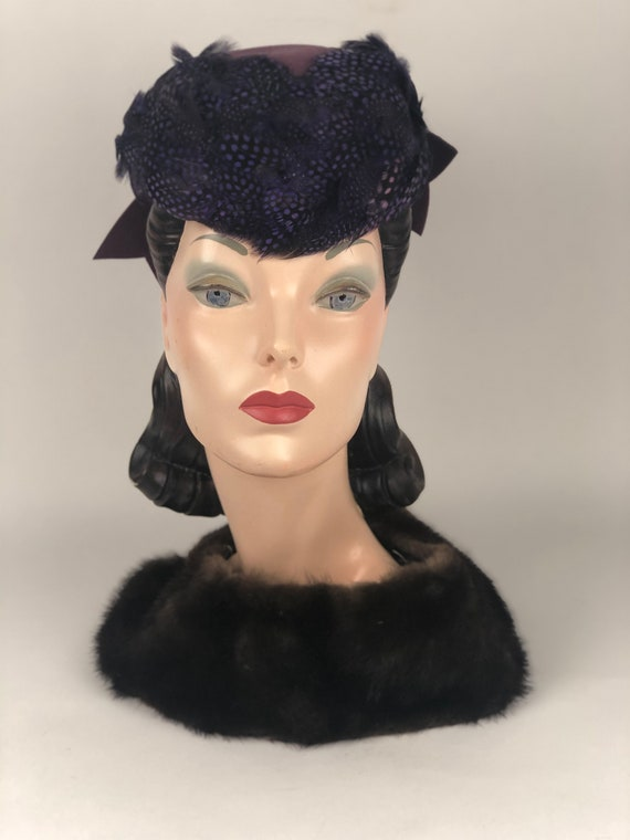 Beautiful 1940s Purple Felt and Feather Tilt Hat W