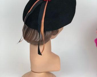 1940s felt beret made by Favorette