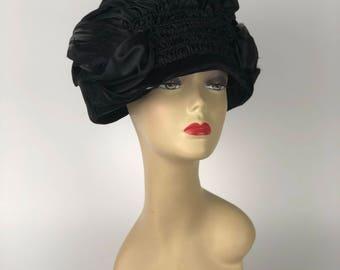 1920s satin and velvet hat