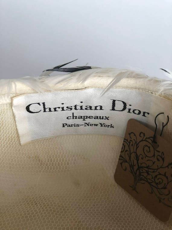 1960s Christian Dior feather hat - image 3