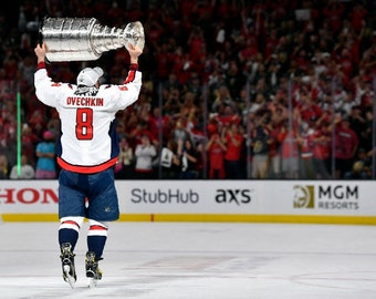 4ef04aaa42f Alex Ovechkin Ovi Washington Capitals Stanley Cup Champions unsigned 11x14  photo print wal decor man cave