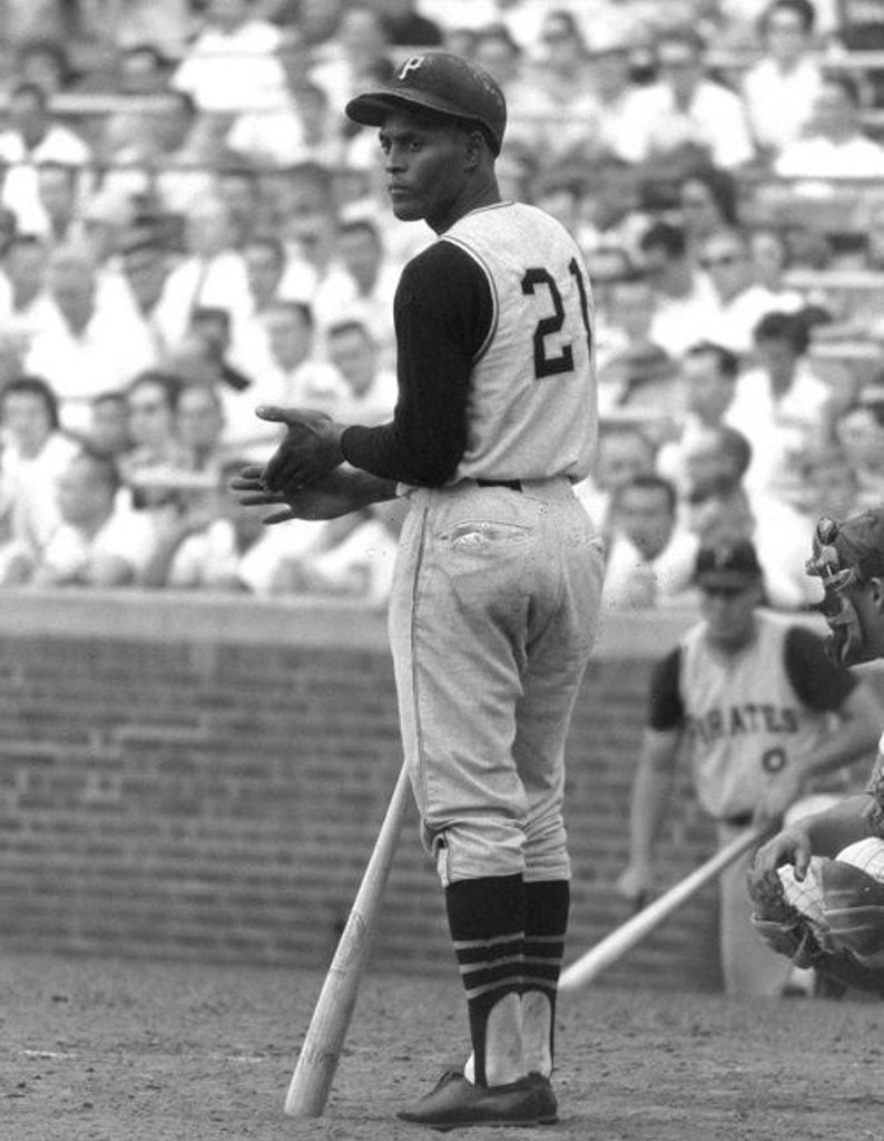 sale retailer 7c6b7 cb806 Roberto Clemente Pittsburgh Pirates legend baseball Hall of Fame unsigned  11x14 photo print wal decor man cave