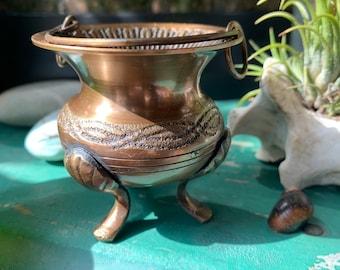 Vintage Brass Cauldron, Mini Offering Bowl, Lion Footed Dish, Altar Tools, Salt Cellar
