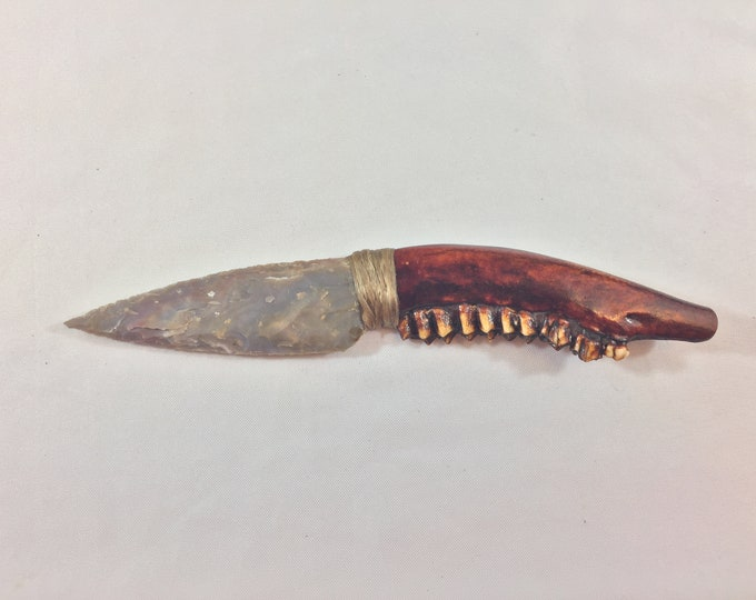 Flint Knapped Agate Blade with Whitetail Deer Jaw Bone Handle