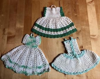 Vintage crocheted dress potholders