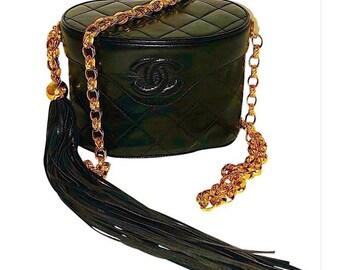 1c021e02fbe0d8 Authentic Vintage Chanel Lambskin Binocular Chain Crossbody Bag