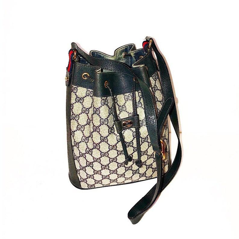 Autentica Gucci Vintage GG Plus borsa a spalla secchiello  66931140defc