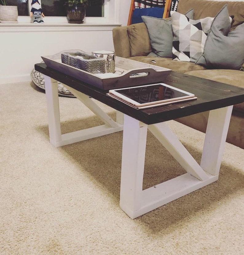 Charmant Farm Style Coffee Table / Farmhouse Coffee Table / Rustic Coffee Table /  Farmhouse Decor / Farmhouse Table