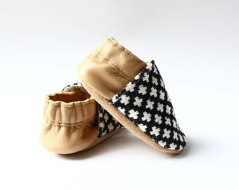 "soft leather - mixed birth gift - baby booties pattern ""ethnic"" cream"