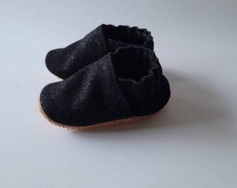 "soft leather baby slippers - birth gift - model ""caesar"" black matte glitter"