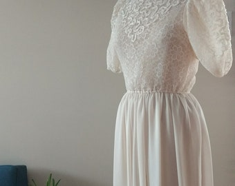 Vintage 80s Creme Balloon Sleeved Lace Dress -Size M- 3d435caf2