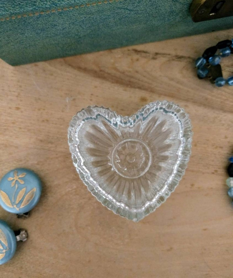 Vintage 80s goes Antique Heart Shaped Glass Jewelry Box Small Size Jewelry or Ring Storage Box Boudoir Vanity Accessory.
