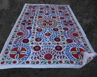 Charmant Traditional Design Handmade Suzani Fabric, Floral Bedspread, Suzani  Bedding, Suzani Wall Hanging, Boho Tablecloth, Coloful Table Cover