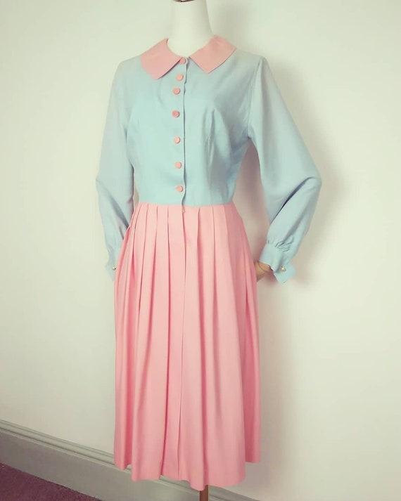 1940s pink and blue shirtwaister dress