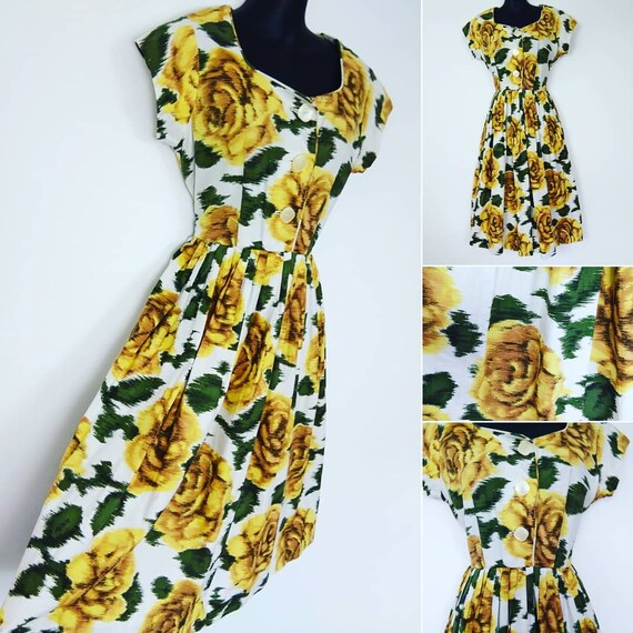 1940s novelty Yellow rose print dress