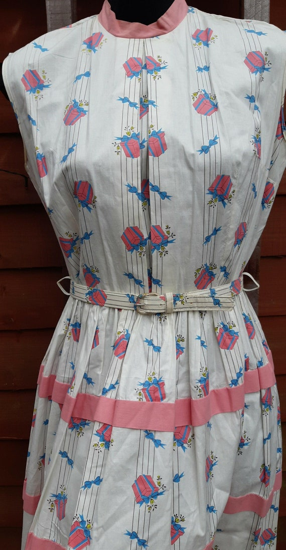 1950s novelty print dress