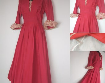 1940s /50s Rose red and cream dress