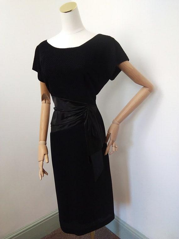 1950s black cocktail dress - image 4
