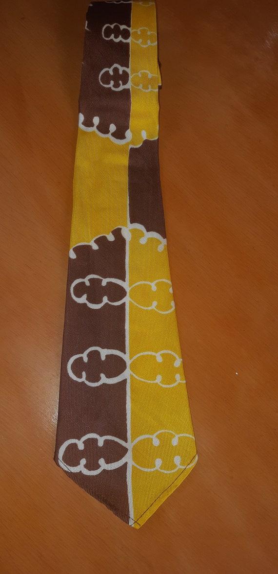 1940s yellow cloud tie